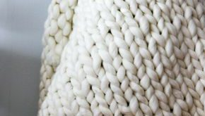 Chunky Knit Blanket DIY - Find out how to Chunky knit a Throw Blanket In 3 Easy Steps