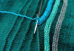 This is genius. A row of purls sets the stitch path for the icord! Ravelry: -sha...